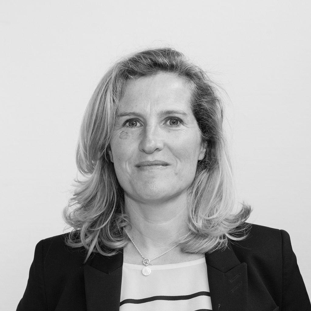 Cécile HULLIN